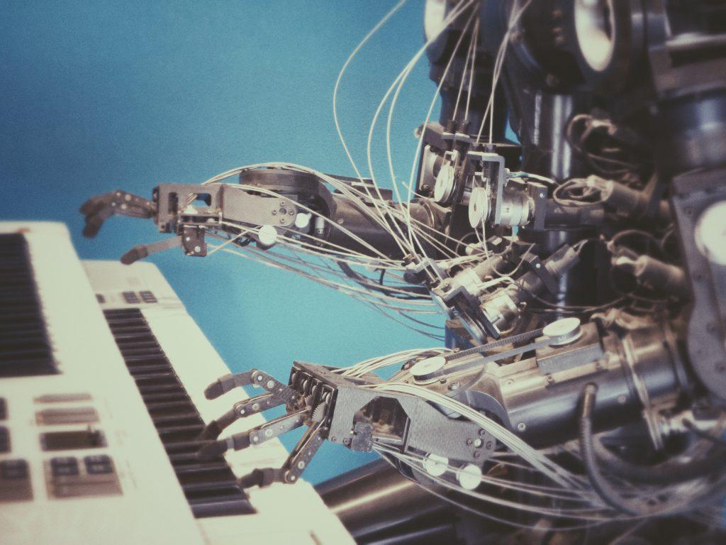 L'automatisation des processus humains améliore le service futur